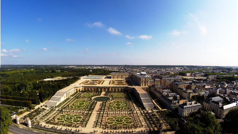Jardin de la Reine à Versailles en vue aérienne drone