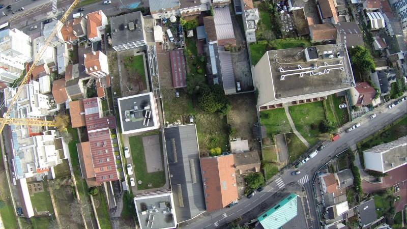Vue aérienne en drone à Vitry sur Seine avant une implantation immobilière