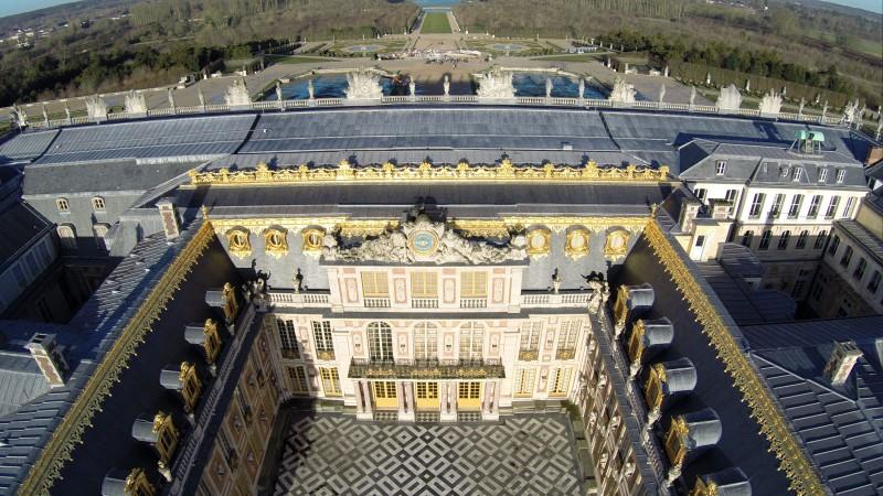 photo aérienne facade du Château et des jardins