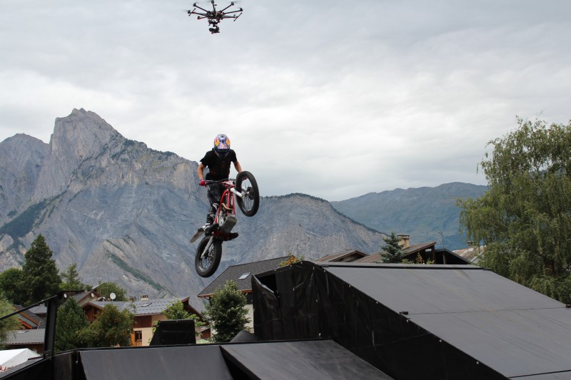 drone et moto Julien Dupont démo Ride The World