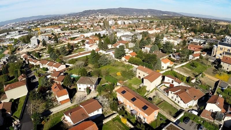 Rillieux la pape étude d'Implantation immobilière avec un drone