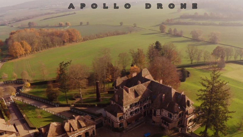 château de Romainville survol par un drone professionne DJI F450 au