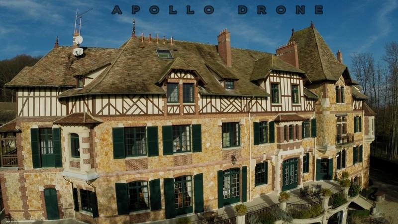 Ile de France facade du château de Romainville en vue aérienne drone