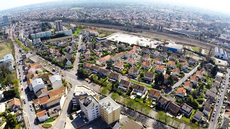 Photos aériennes de Dijon pour réaliser une vidéo 3D
