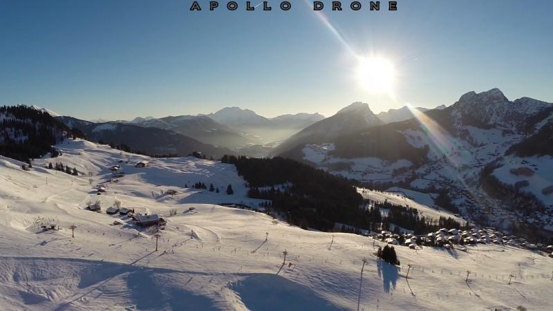 Savoie pistes de ski vue par Le drone professionnel DJI F450