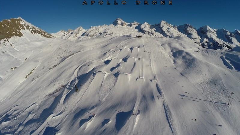Grand-Bornand Savoie Tournage de sauts à ski champ de bosses drone professionnel