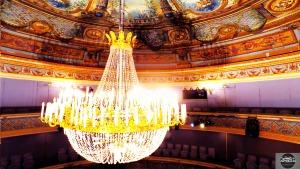 Vues aériennes à l'intérieur du Théâtre Montansier de Versailles en drone