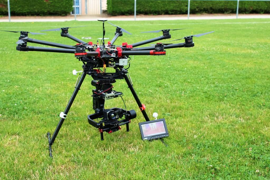dji-s1000-nacelle-ronin-camera-optris-pi450-couplee-avec-une-gopro-1