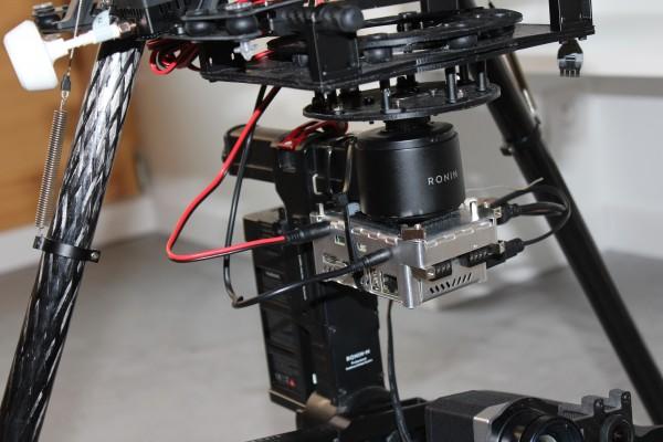 DJI-S1000-nacelle-ronin-camera-optris-pi450-couplee-avec-une-gopro-avec-disque-dur-1