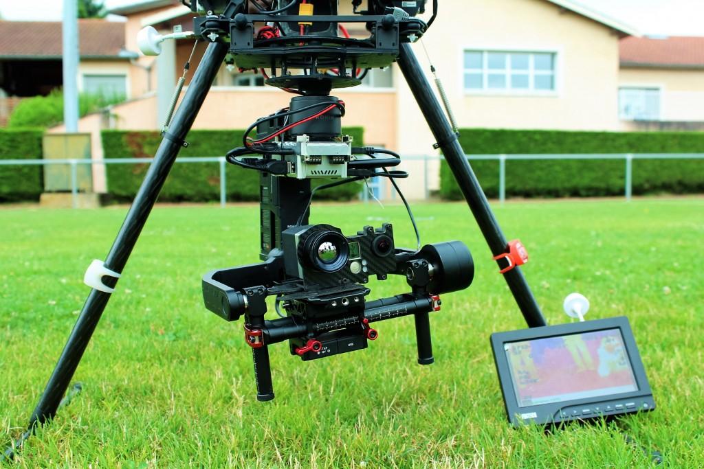 Thermographie aérienne - Notre-DJI-S1000-avec-la-nacelle-Ronin-et-la-camera-thermique-Optris-PI450-LightWeight-couplee-avec-la-GO-PRO.