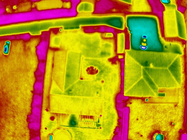thermographie aérienne batiments photo-thermique-en-drone-inspection-des-maison-5