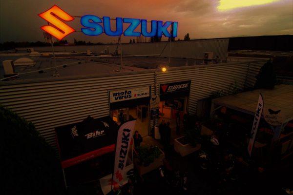 Photo au couché de soleil en drone du magasin Moto Virus