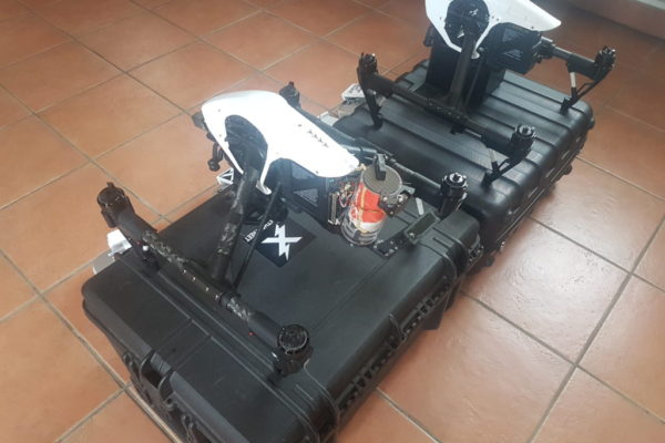 Apollo Drone possède une paire de DJI d'inspire 1 homologué S3 avec caméra X5R